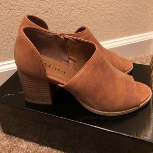 Mata Boot Heels